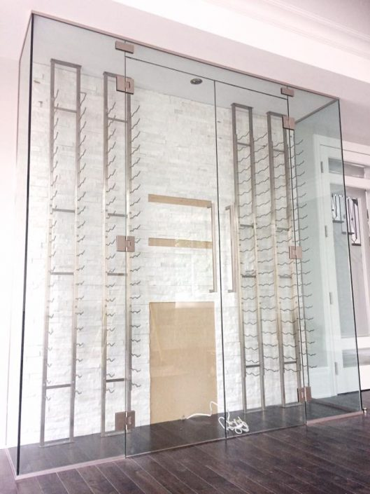 cellier sur mesure vitrerie verre design. Black Bedroom Furniture Sets. Home Design Ideas